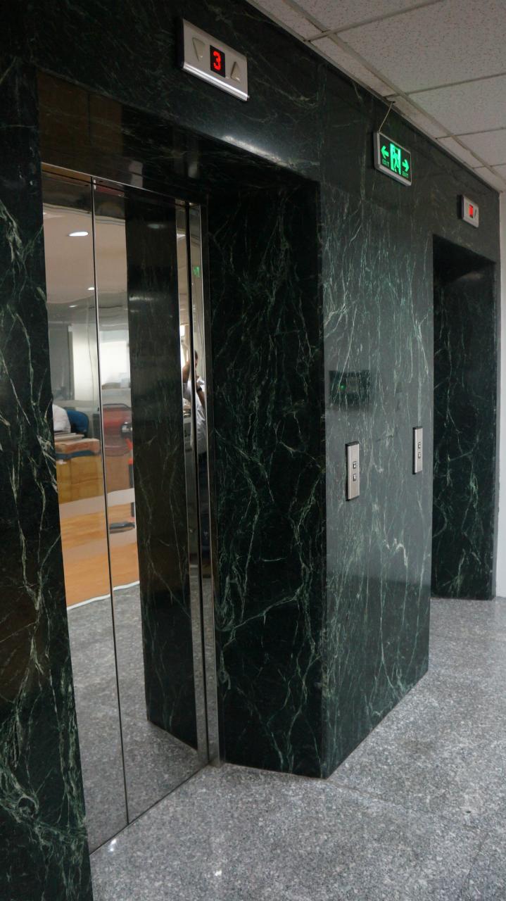 Hệ thống thang máy tòa nhà